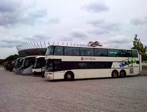 autokary pod stadionem